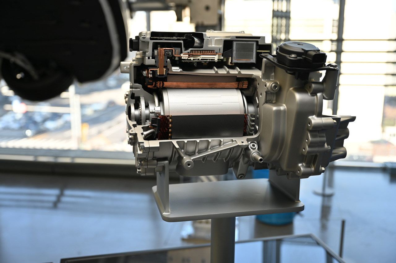 현대차 E-GMP, 후륜 전기모터