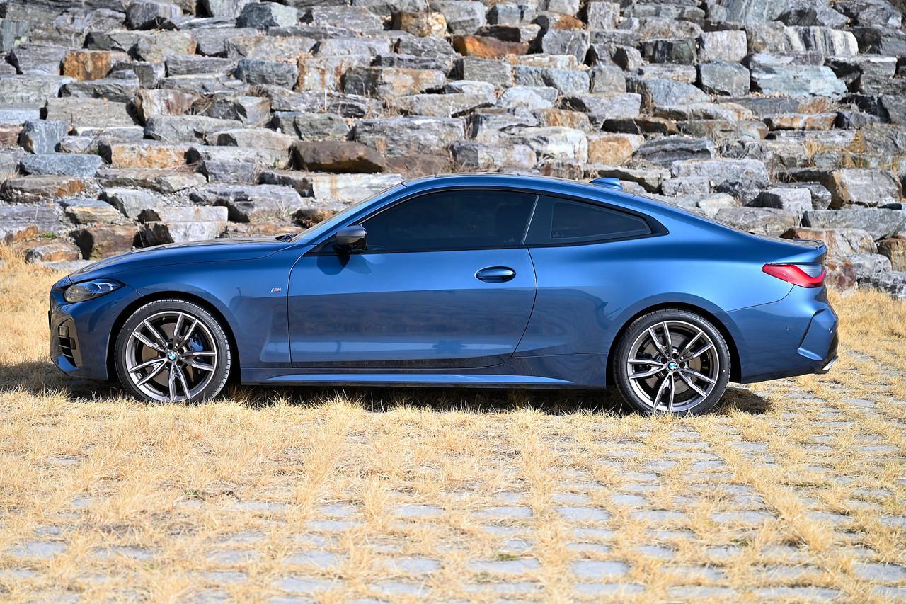 BMW M440i xDrive 쿠페