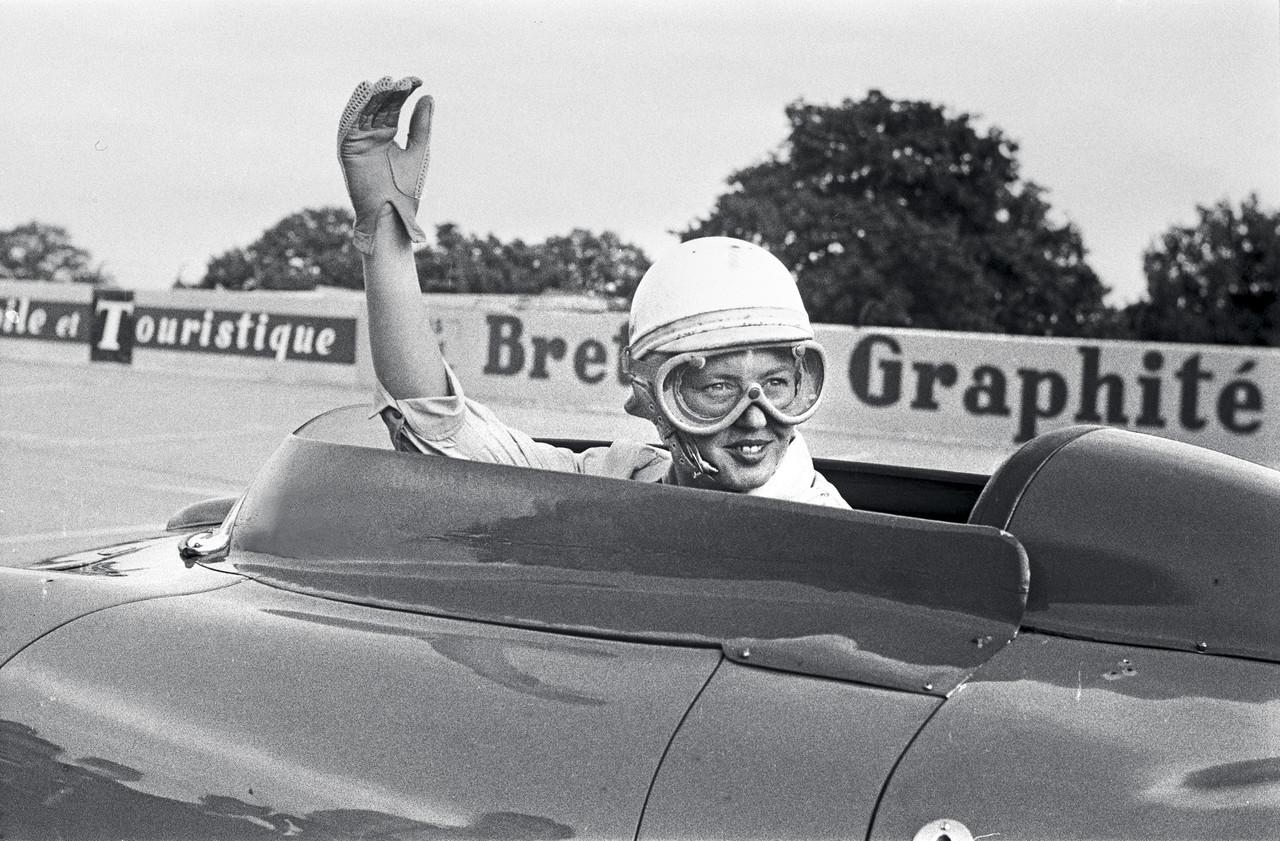 애니 부스케와 포르쉐 550 스파이더