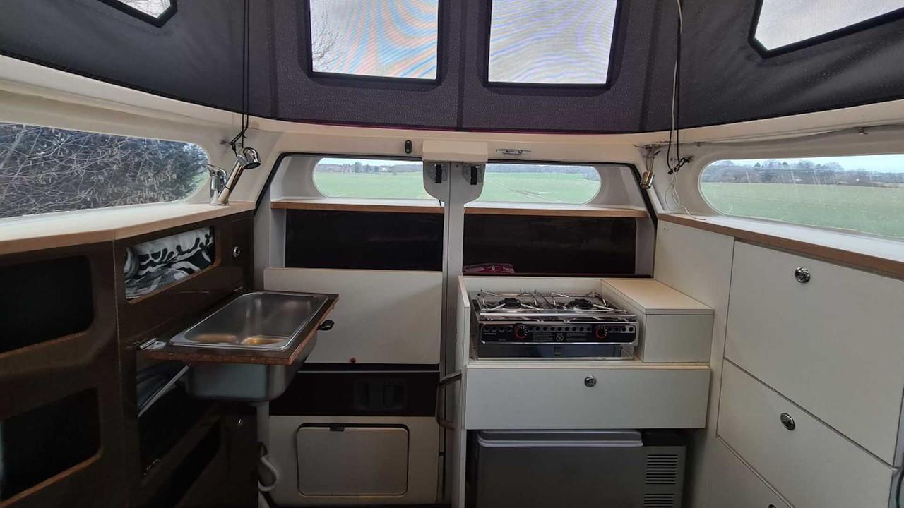 캐비니어 트럭 캠퍼